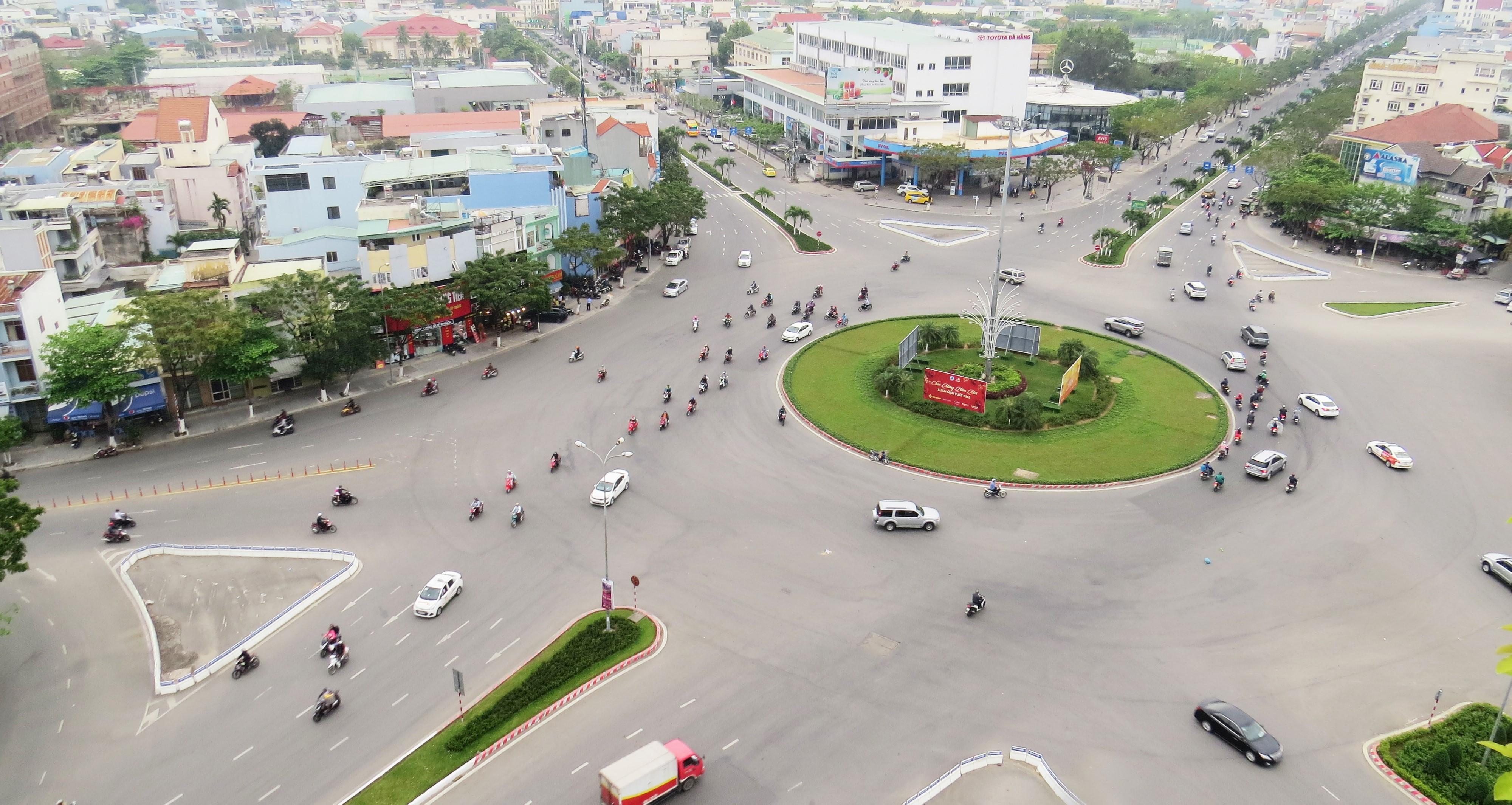 Nga 5 Nguyen Huu Tho - Duy Tan